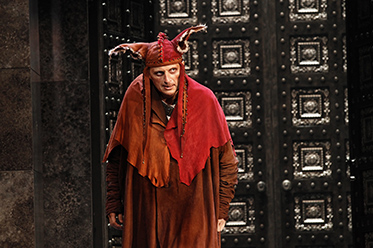 Warwick Fyfe as Rigoletto_Jeff Busby