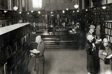 Interior of Sydney Mechanics' School of Arts Library ca. 1920-1936, Sam Hood, courtesy of the State Library of New South Wales