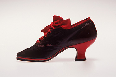 PH_Oxford shoes, pair, womens, leather, linen, silk, made by Joseph Box, prize work, London, England, c. 1890