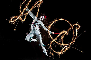 QUIDAM_Photo_Matt Beard_Costumes_Dominique Lemieux ©2011 Cirque du Soleil
