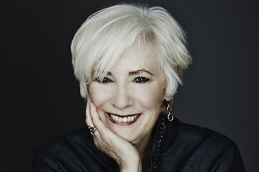 Arts Review On the Couch Betty Buckley photo by Scogin Mayo