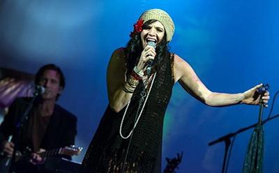 Liza Ohlback in Pearl - The Janis Joplin Show