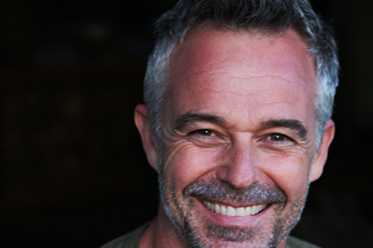 Cameron Daddo Arts Review On the Couch