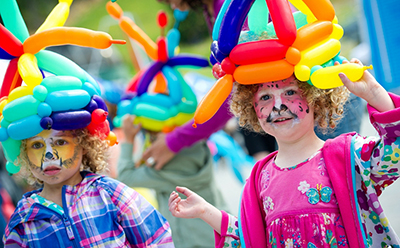 Childrens Festival facepaint and balloon art