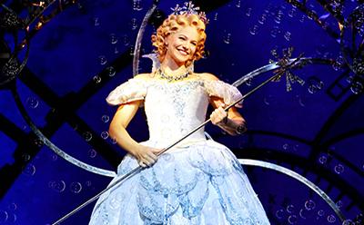 Suzie Mathers as Glinda photo by Maye Wong