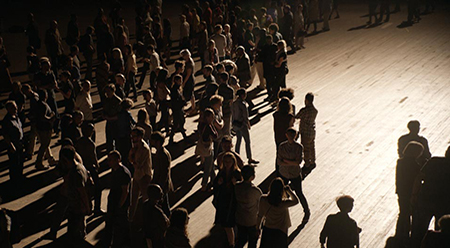 Philippe Parreno, The Crowd, 2015 (film still) © Philippe Parreno, Courtesy Pilar Corrias, Barbara Gladstone, Esther Schipper
