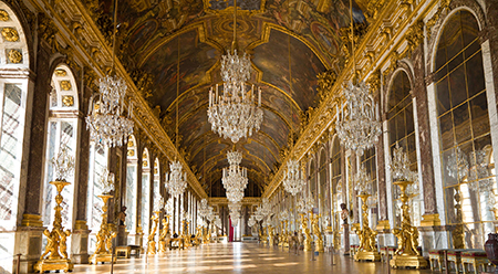 The Hall of Mirrors, Palace of Versailles © Jose Ignacio Soto / Shutterstock.com