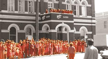 FAC Orange Sannyas in Fremantle - photo by Diti