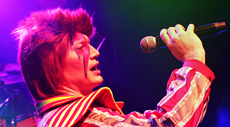 Cameron Charters as Bowie