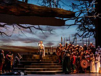 Marius Vlad as Lohengrin with theMelbourne Opera Chorus- photo byRobin Halls