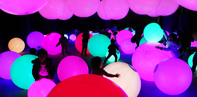 teamLab Future Park Light Ball Orchestra MAAS