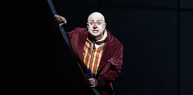 Martin Winkler as Kovalev in The Royal Opera House's 2017 production of The Nose
