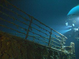 ANMM Titanic Bow Mirs