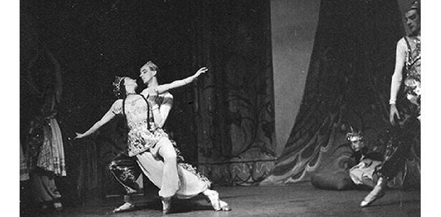 ADA Valrene Tweedie and Athol Willoughby in Le coq d'or. National Theatre Ballet 1955 - photo by Walter Stringer
