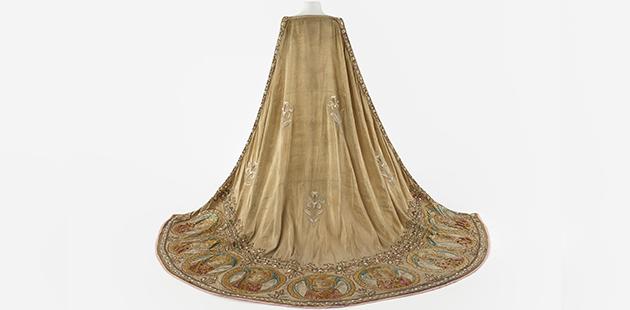 AAR Cloak worn by Dame Nellie Melba as Elsa in Lohengrin, c. 1891. Designed by Jean-Philipe Worth.jpg