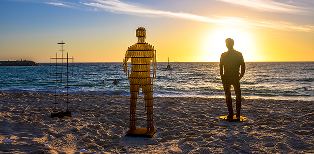 April Pine, Shifting Horizons, Sculpture by the Sea, Cottesloe 2019 - photo by Clyde Yee