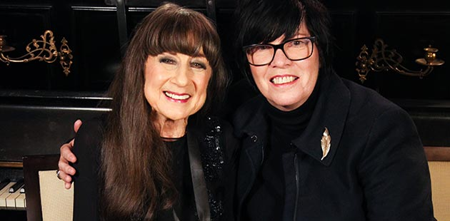 AWMA Judith Durham AO with Vicki Gordon - photo by Fernando Barraza