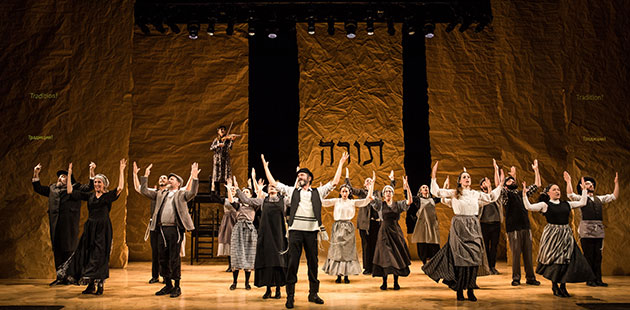 Fiddler on the Roof in Yiddish - phoot by Matthew Murphy