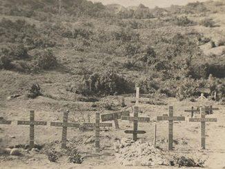 Shrapnel Valley Cemetery, Gallipoli, circa 1915. Photographer: Victor Rupert Laidlaw. Source: State Library of Victoria.