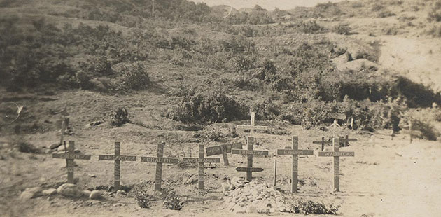 Shrapnel Valley Cemetery, Gallipoli, circa 1915. Photographer: Victor Rupert Laidlaw. Source: State Library of Victoria.