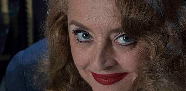 Jeanette Cronin as Bette Davis