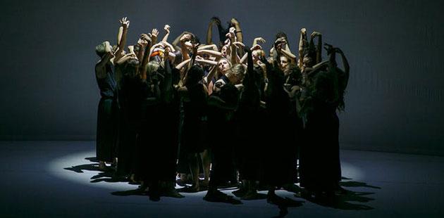 TC-Stephanie-Lake's-dancework-Colossus-photo-by-Yaya-Stempler