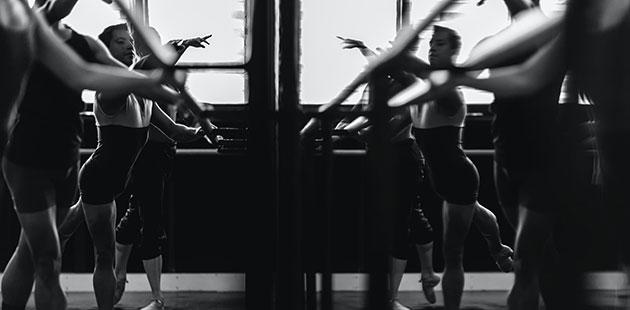 Dance-class-photo-by-Gez-Xavier-Mansfield-on-Unsplash