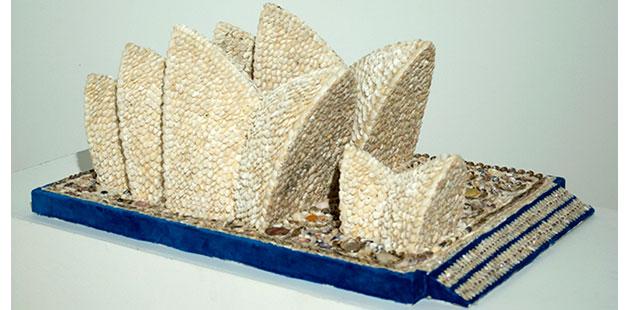 GCAG-Aunty-Esme-Timbery-Untitled-(Sydney-Opera-House)-2002-photo-by-Sue-Blackburn