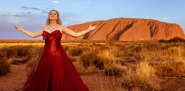 Angela-Hogan-Opera-Gala-at-Uluru-courtesy-of-Opera-Australia