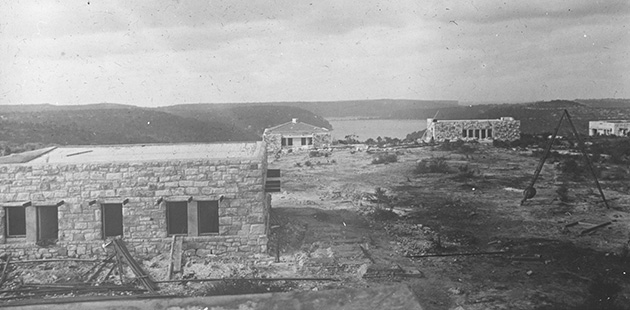 National-Library-of-Australia-View-of-Castlecrag-houses-under-construction-c1922