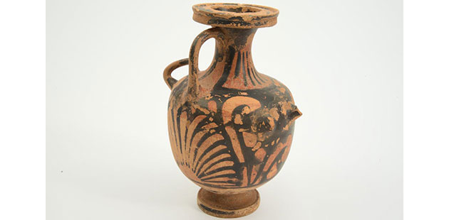 Red-figure-hydria-(water-jar),-Bari,-Apulia,-southern-Italy-courtesy-of-the-WA-Museum