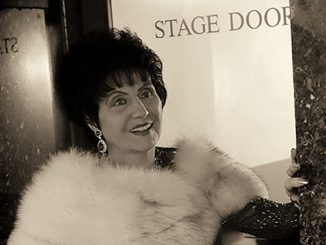 """Loretta-""""Moi-Yo""""-Miller-Montes-at-Stage-Door-Princess-Theatre-Melbourne-photo-by-Jeff-Busby-2006"""