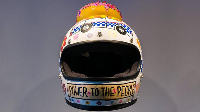 QAGOMA-TextaQueen-Defund-the-Police-Helmut-2020