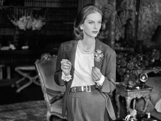 NGV-Anne-Sainte-Marie-in-a-Chanel-suit-photograph-by-Henry-Clarke-published-in-Vogue-US-1955