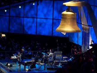 Mike-Oldfield-performing-Tubular-Bell-at-the-2021-London-Olympics-Opening-Ceremony