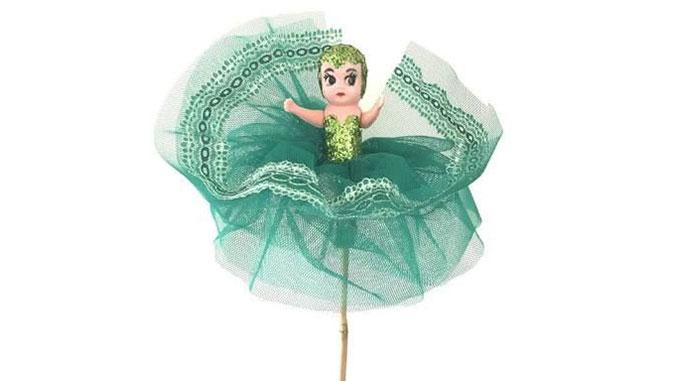 A-Kewpie-Doll-on-a-stick