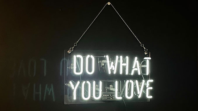 Do-What-You-Love-photo-by-Mathilde-Langevin-on-Unsplash