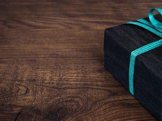 Giftbox-on-table